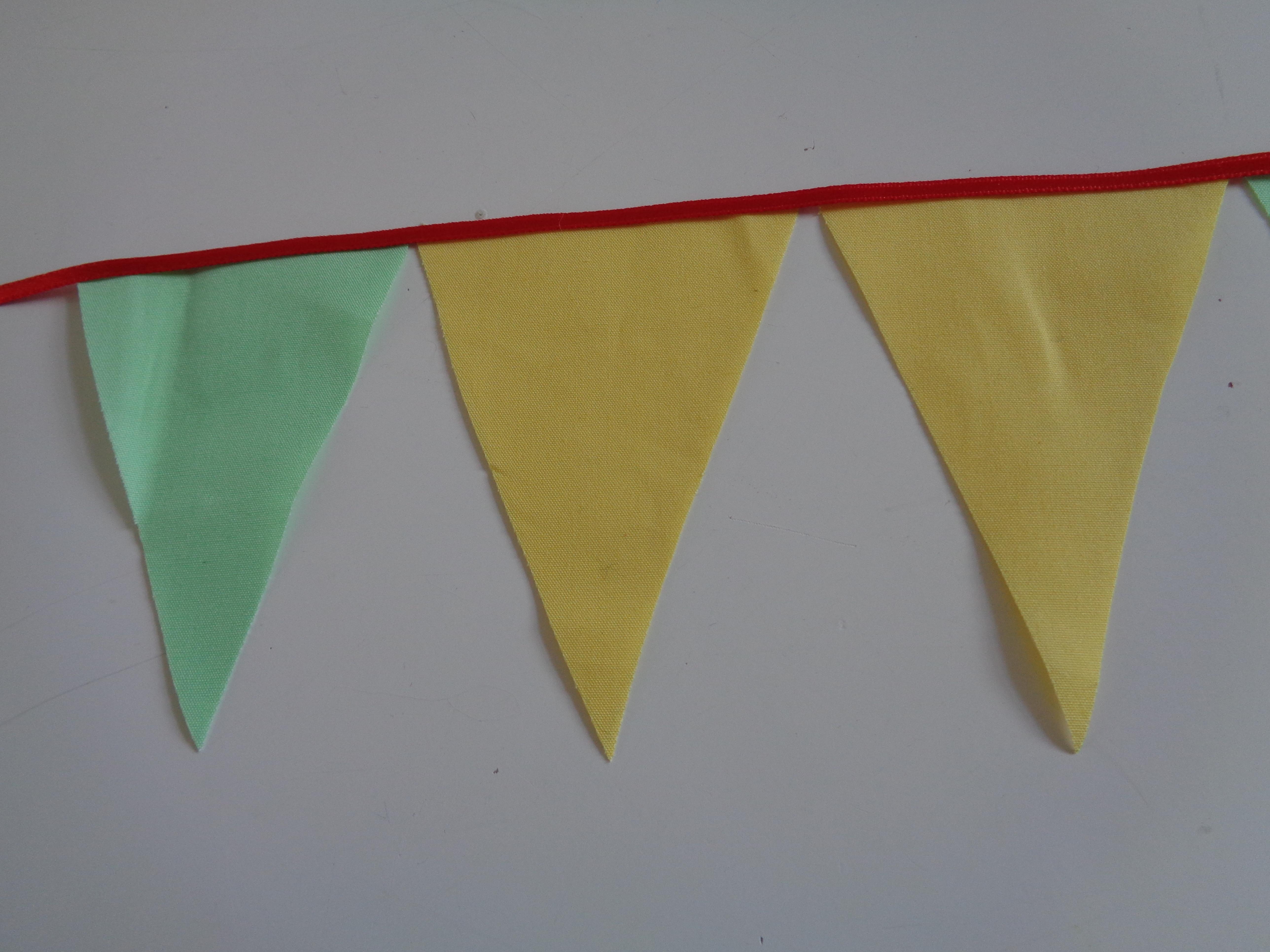 Fabulous DIY vlaggetjes slinger - leuke vlaggenlijn voor in je babykamer &YU36