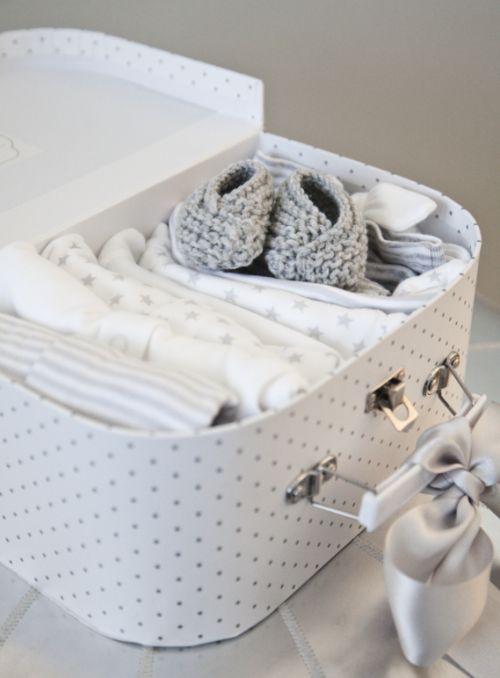 Babykoffertje met kleertjes