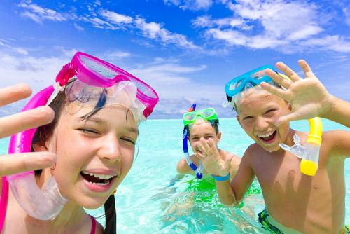 vakantie vierende kinderen