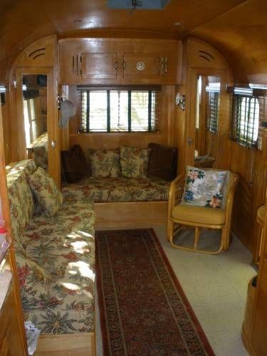 Ouderwets vintage camper interieur