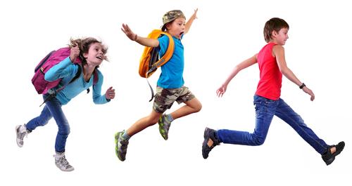 rennende kinderen krijgen genoeg lichaamsbeweging