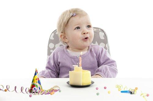 Meisje viert eerste verjaardag