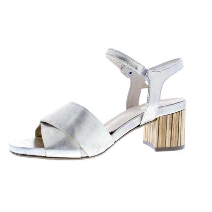 zomerschoenen - Sandalen met hak.jpg