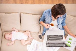 Thuiswerkende moeder