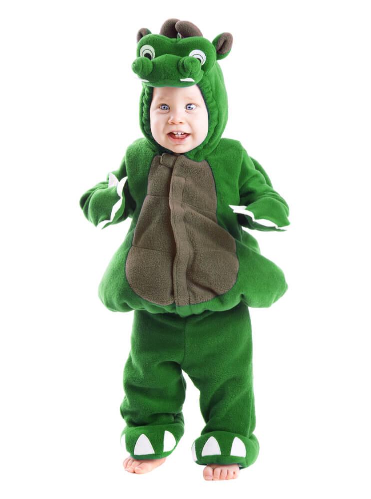 Jongetje als monster verkleed