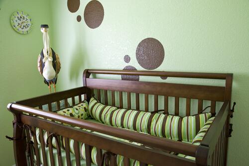Babykamer oud groen en bruin