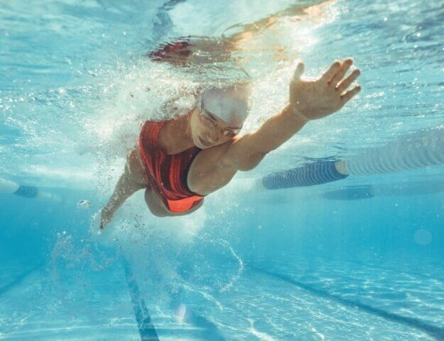 Futloos en vermoeid Neem elke ochtend een frisse duik!