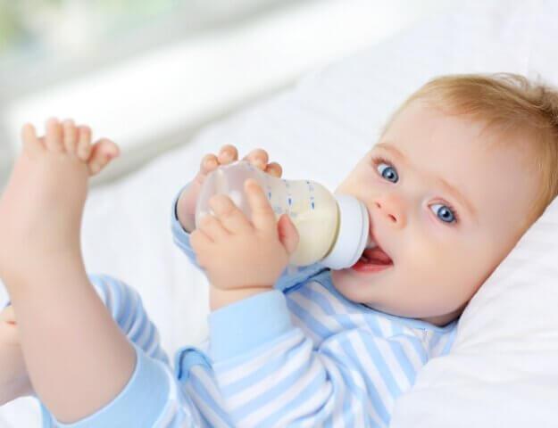Babyvoeding op basis van geitenmelk of koemelk?