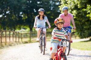Waarom een kinderhelm op de fiets helemaal niet zo'n verkeerd idee is